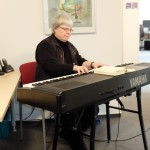 Gudrun Scheske am E-Piano